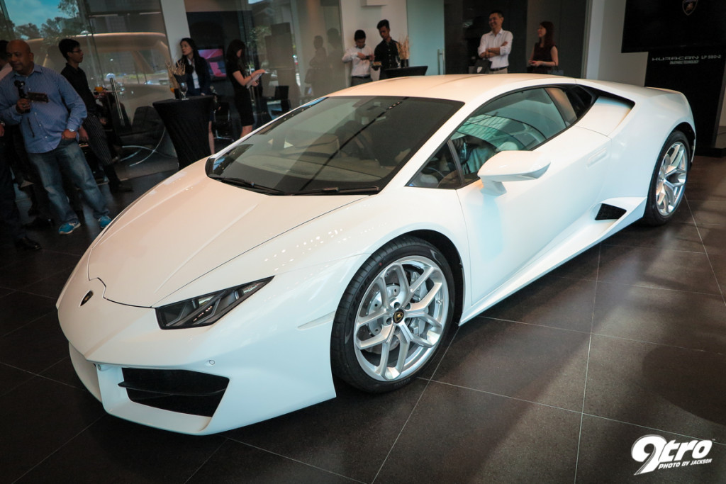 lamborghini huracan lp 580 2 singapore launch. Black Bedroom Furniture Sets. Home Design Ideas